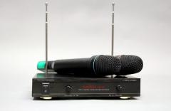 Вокальная радиосистема AUDIOVOICE WL-21VM с 2-мя ручными передат